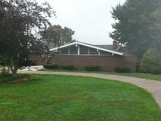 740 S Keel Ridge Rd, Hermitage, PA 16148