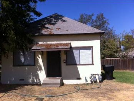 324 W Bush St, Hanford, CA 93230