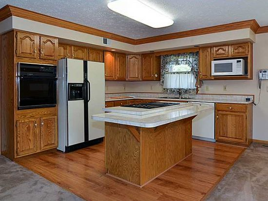 217 Concord Circle Rd, Beaver Falls, PA 15010