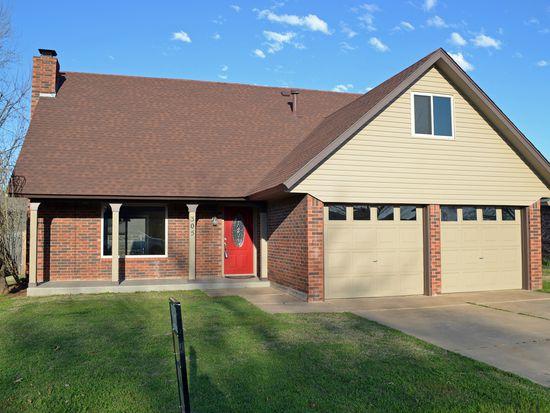 305 S Avery St, Moore, OK 73160