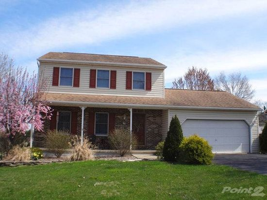 3 Carriage Dr, Wernersville, PA 19565
