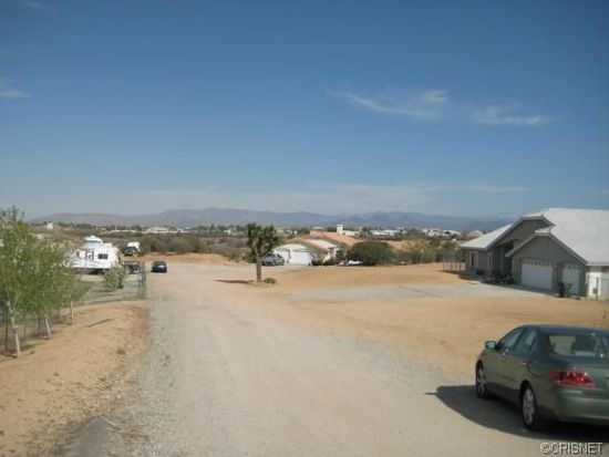 11093 Blue Jay Way, Oak Hills, CA 92344