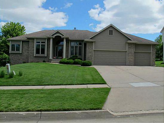 4824 Oakwood Ln, West Des Moines, IA 50265
