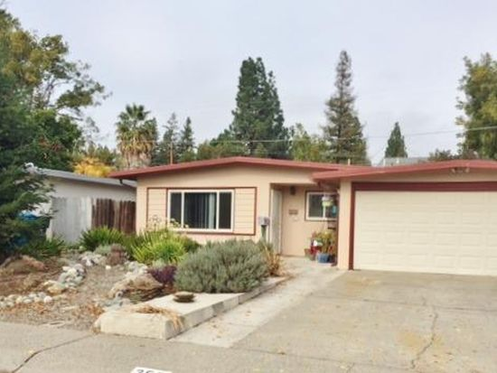 356 Grape St, Vacaville, CA 95688