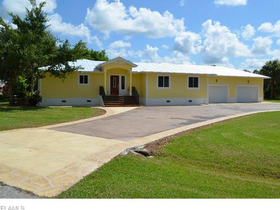 2168 Aruba Ave, Fort Myers, FL 33905