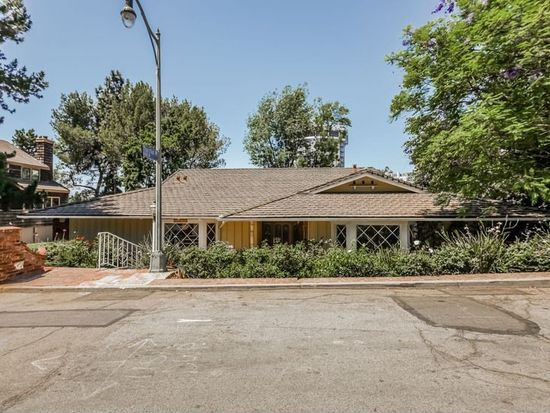11406 Thurston Cir, Los Angeles, CA 90049