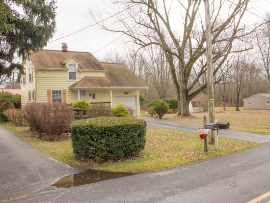 195 Water St, Oley, PA 19547