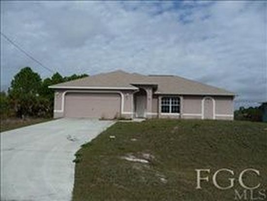 875 Sunflower Ct, Lehigh Acres, FL 33974