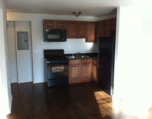2541 W Fitch Ave APT 207, Chicago, IL 60645