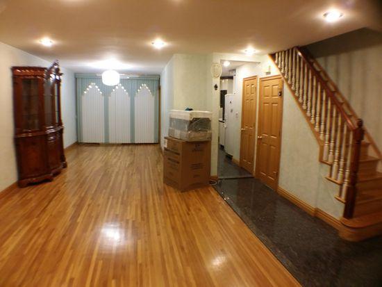 6662 Thornton Pl, Flushing, NY 11374