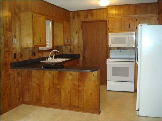 521 W Grant St, Chickasaw, AL 36611