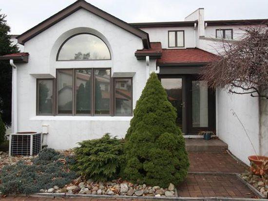 602 Casa Vita Dr, Greensburg, PA 15601