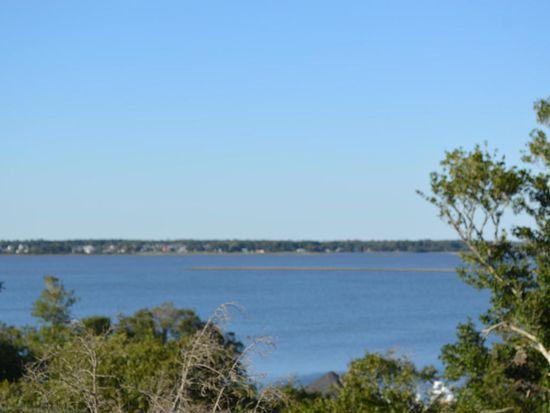 5711 Landing Ct, Emerald Isle, NC 28594