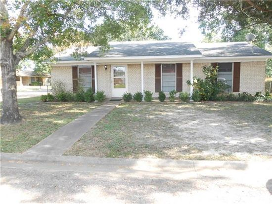 107 Village Way, Crockett, TX 75835
