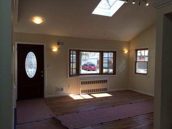 383 Clawson St, Staten Island, NY 10306