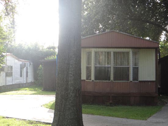 1117 Lamar Ave TRLR D, Nederland, TX 77627