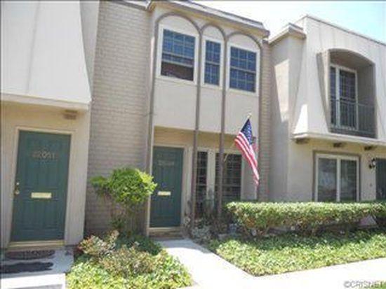 22049 Oxnard St, Woodland Hills, CA 91367