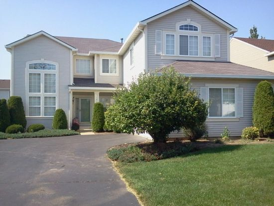 181 Wright Dr, Lake In The Hills, IL 60156