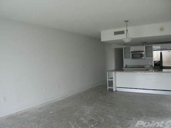 185 SW 7th St APT 1401, Miami, FL 33130