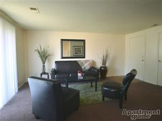 9345 E 42nd St APT 8, Indianapolis, IN 46235