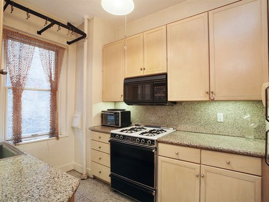 125 W 12th St APT 3C, New York, NY 10011