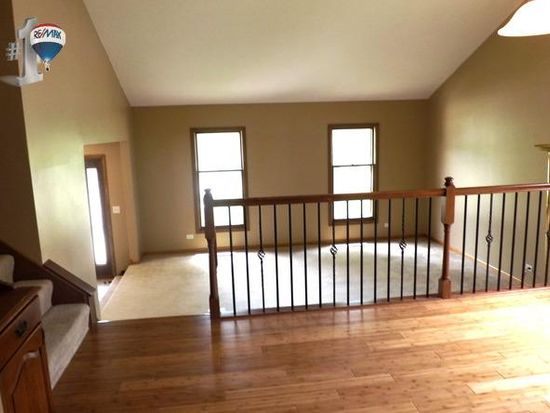 1160 Valley View Dr, Downers Grove, IL 60516