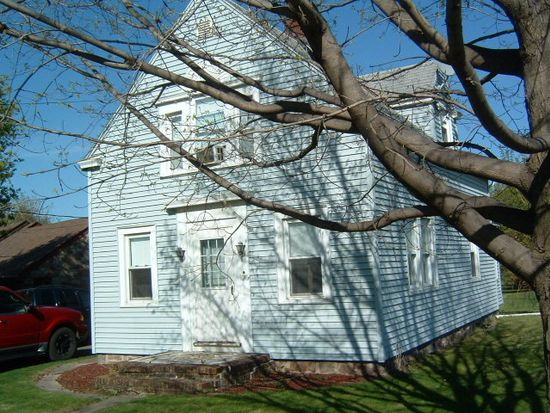 1076 State Route 9, Champlain, NY 12919
