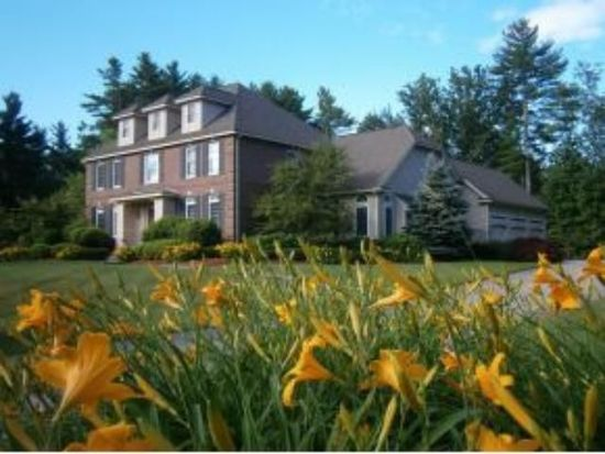12 Camelot Rd, Windham, NH 03087
