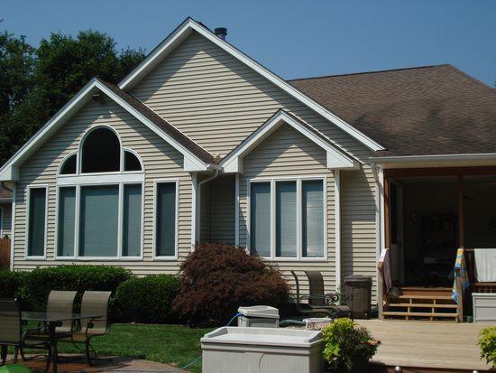 217 Oak St, Medford, NY 11763