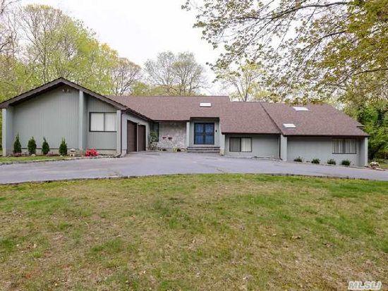 6 Sweet Hollow Rd, Huntington, NY 11743