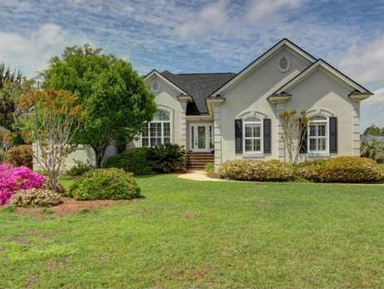 4 Palm Grove Ct, Savannah, GA 31410