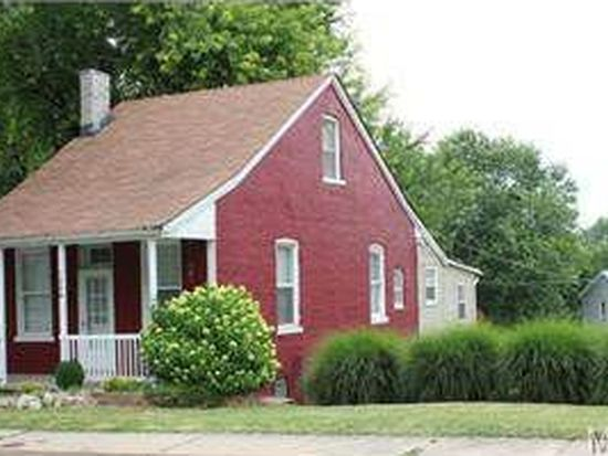 1208 N 4th St, Saint Charles, MO 63301