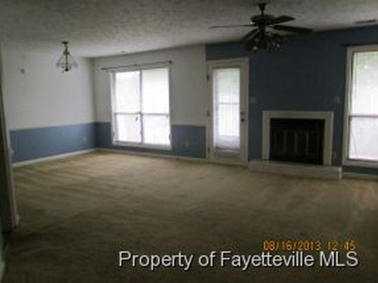 1512 Londonderry Pl, Fayetteville, NC 28301