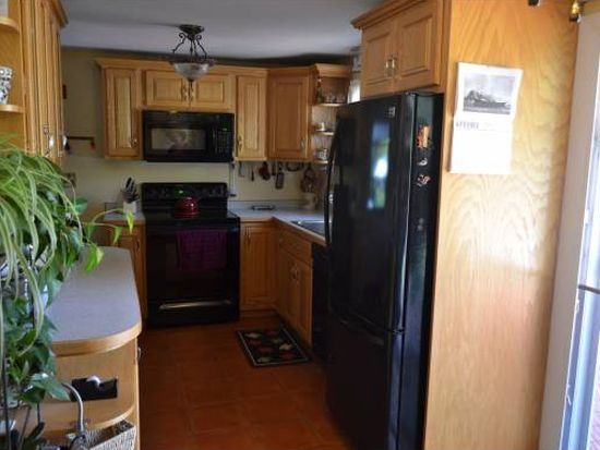 19 Thomsen Rd, Hampton, NH 03842
