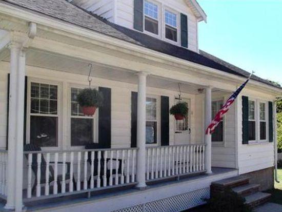 61 E Bacon St, Plainville, MA 02762