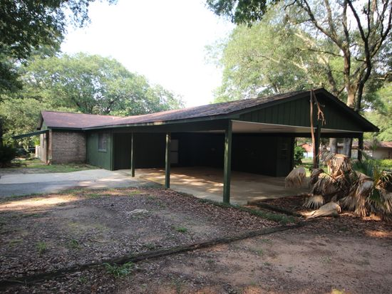 6075 Carr Rd, Milton, FL 32583