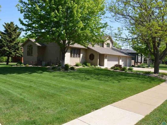 6704 W 32nd St, Sioux Falls, SD 57106