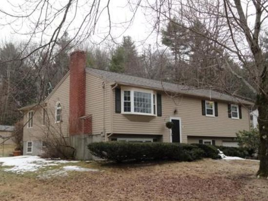 60 Cricket Dr, Sturbridge, MA 01566