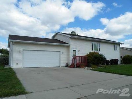 830 13th Ave SW, Aberdeen, SD 57401