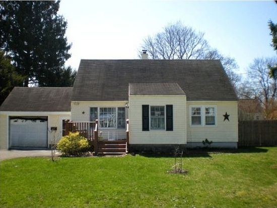 34 Sherrill Ln, New Hartford, NY 13413