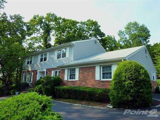 92 N Rockledge Dr, Livingston, NJ 07039