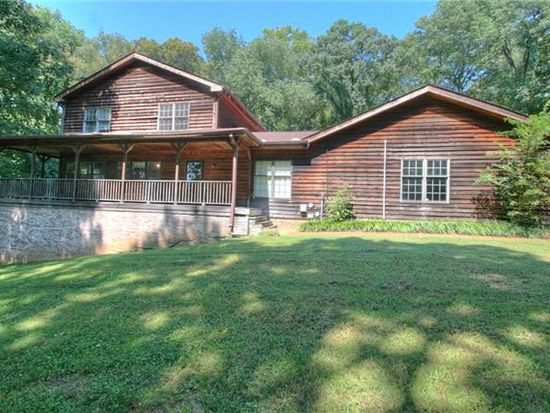 1042 Lake Colonial Dr, Arrington, TN 37014