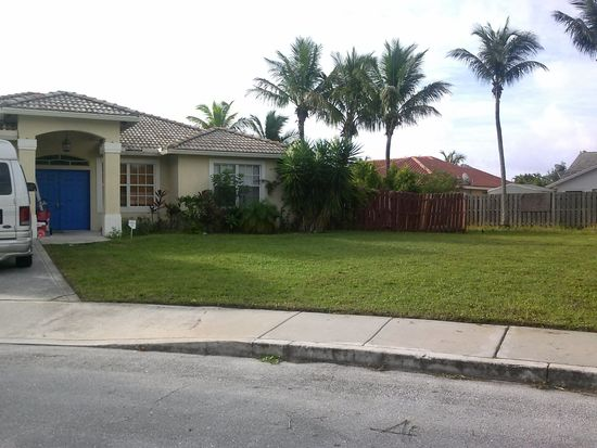 1823 Pierce Dr, Lake Worth, FL 33460