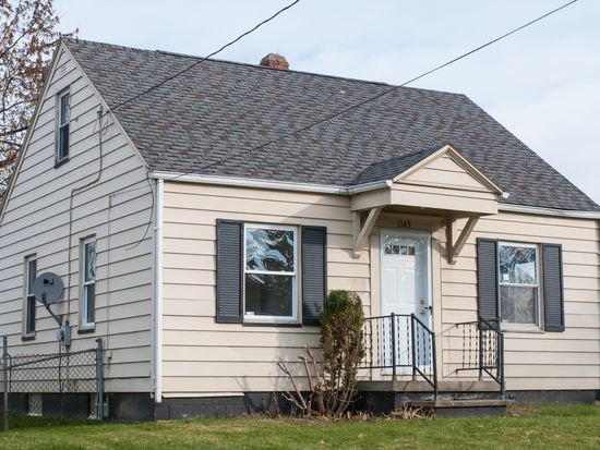 1145 Lindsay Ave, Akron, OH 44306
