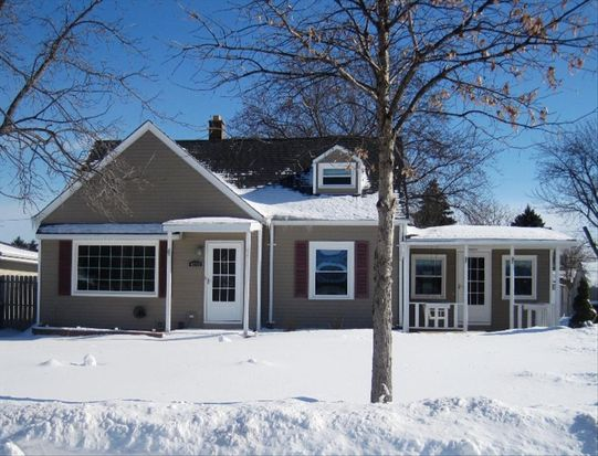 4372 S 48th St, Greenfield, WI 53220