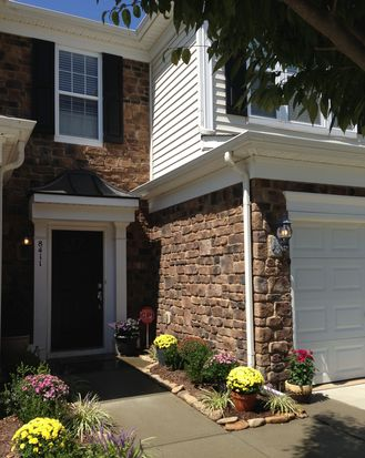 8411 Pilots View Dr, Raleigh, NC 27617