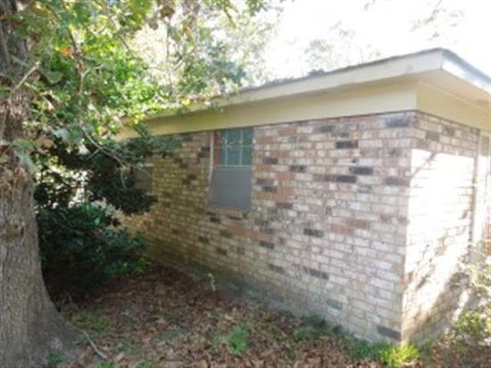 3872 River Pine Dr, Moss Point, MS 39563