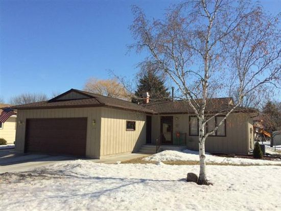 2574 Pacific Dr S, Fargo, ND 58103