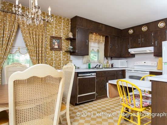 2459 Garfield Ave, West Lawn, PA 19609