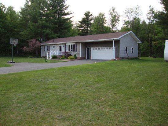 574 Davison Rd, Mooers Forks, NY 12959